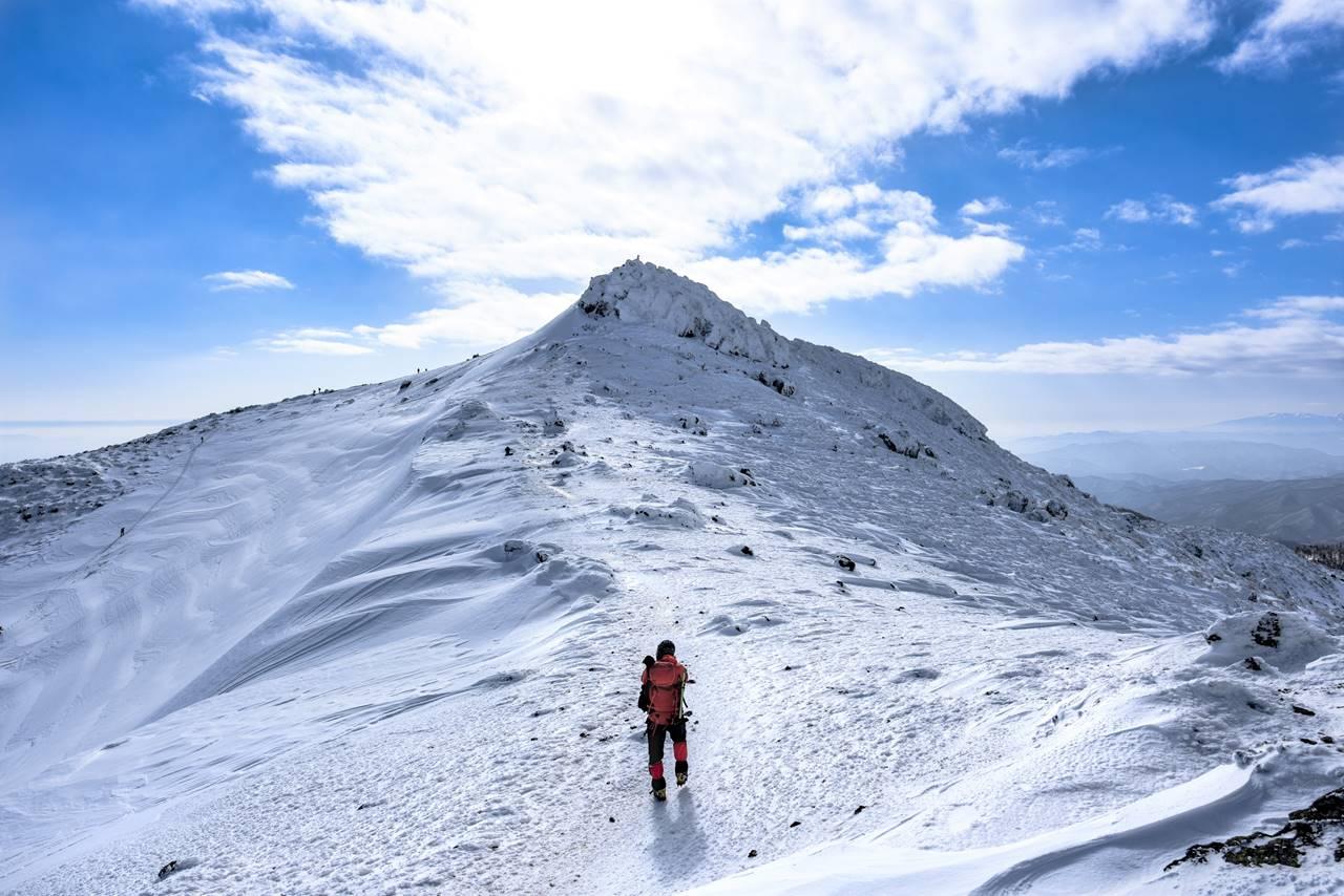 雪の安達太良山