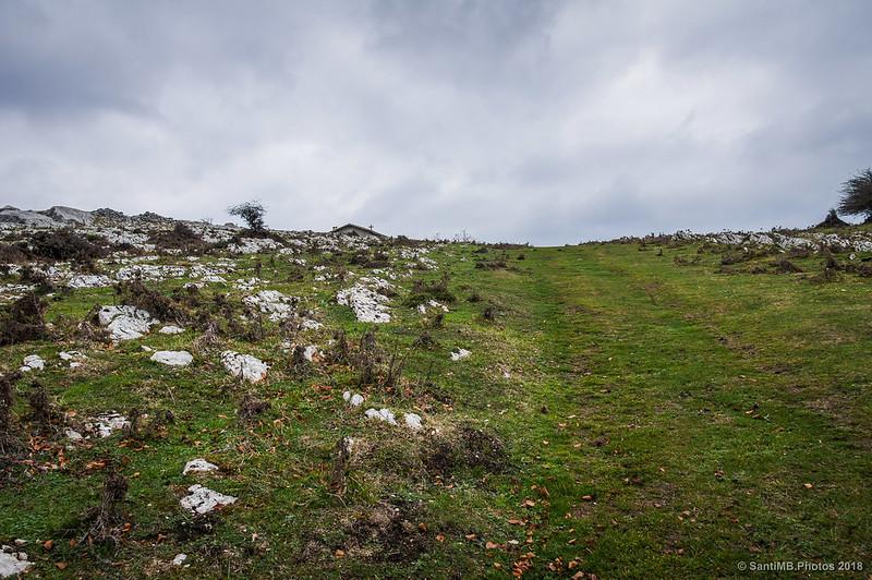 Llegando a la ermita de San Adrián de Lizarraga