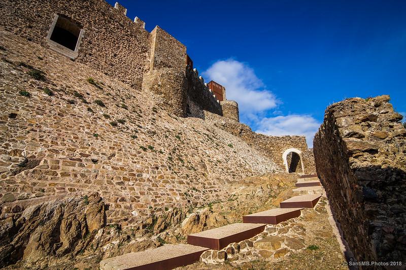 Entrada al Castell de Montsoriu
