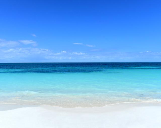 Arenas blancas y aguas transparentes de Cayo Levisa