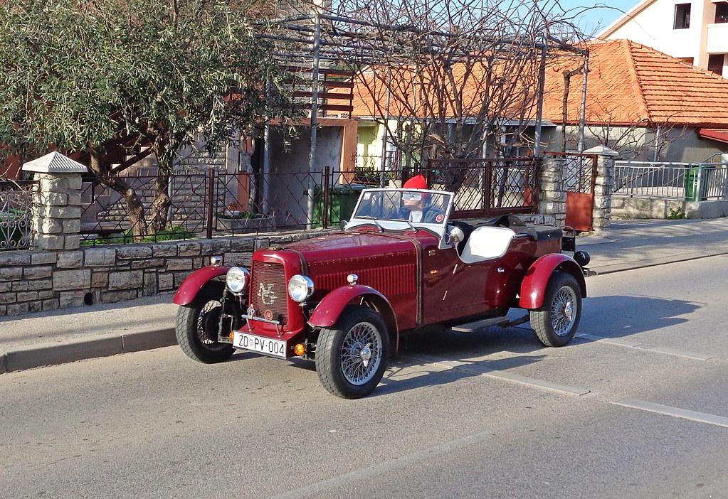 Driving an old-style car | Model: NG TA by NG Cars (GB), pho… | Flickr