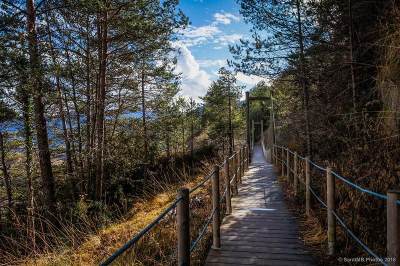 Llegando al puente colgante de la Vía del Nicolau