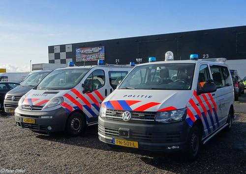 2006 opel vivaro 2017 volkswagen transporter politie. Black Bedroom Furniture Sets. Home Design Ideas