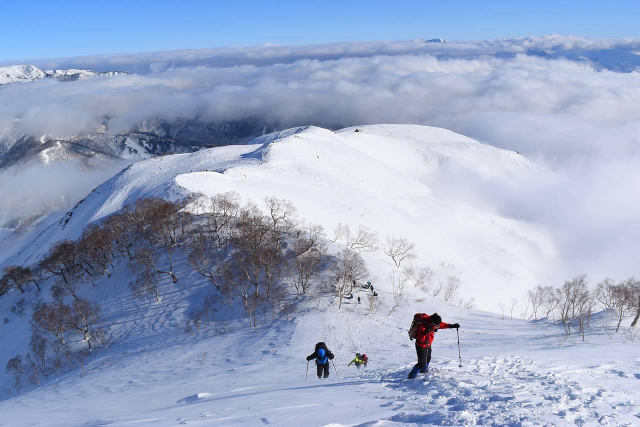 八方尾根登山と雲海
