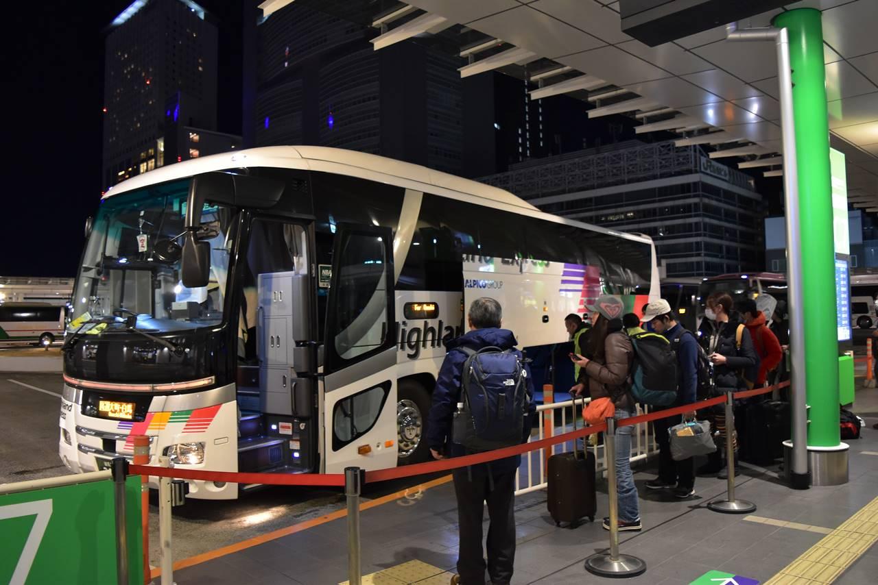 新宿~白馬八方 夜行バス