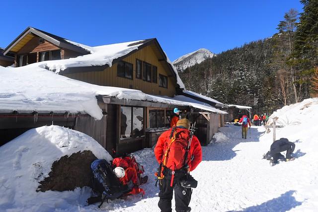 冬の赤岳鉱泉