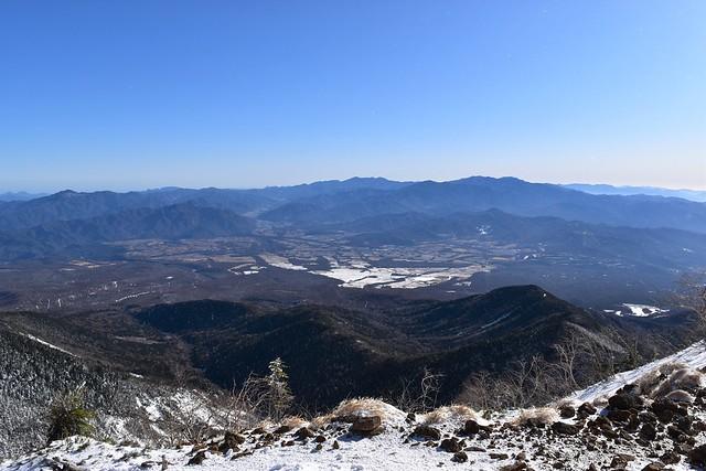 八ヶ岳から眺める奥秩父の山々