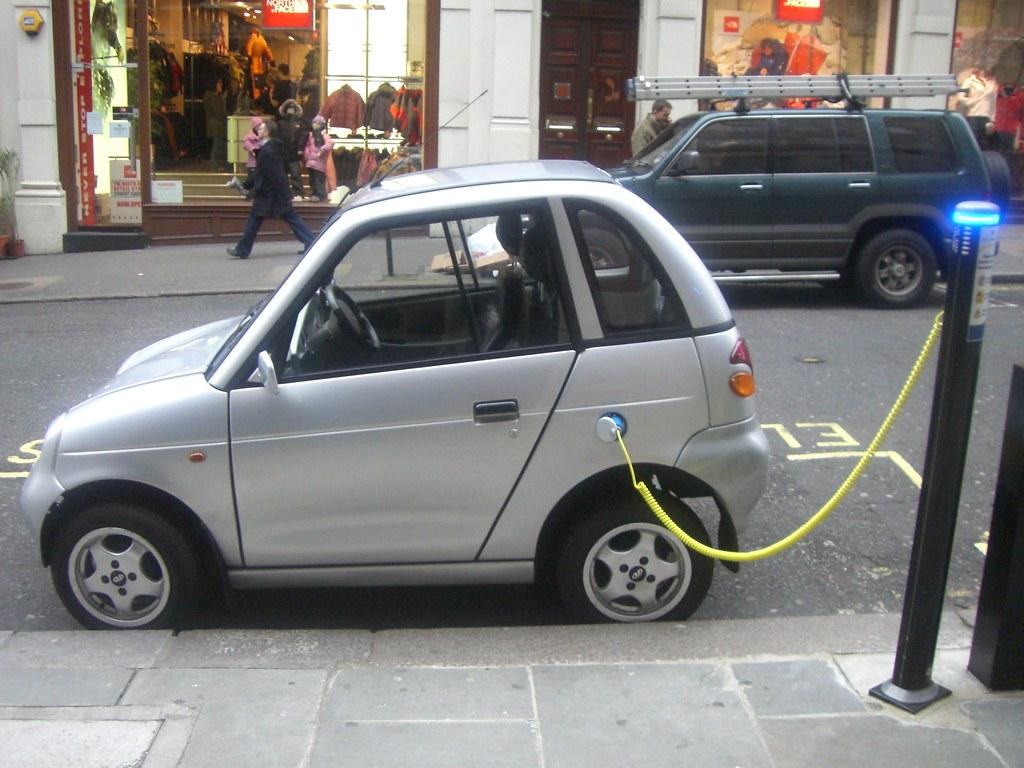 電動車。Frank Hebbert(CC BY 2.0)