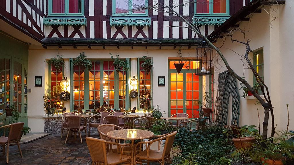 Hôtel Salon de Thé \