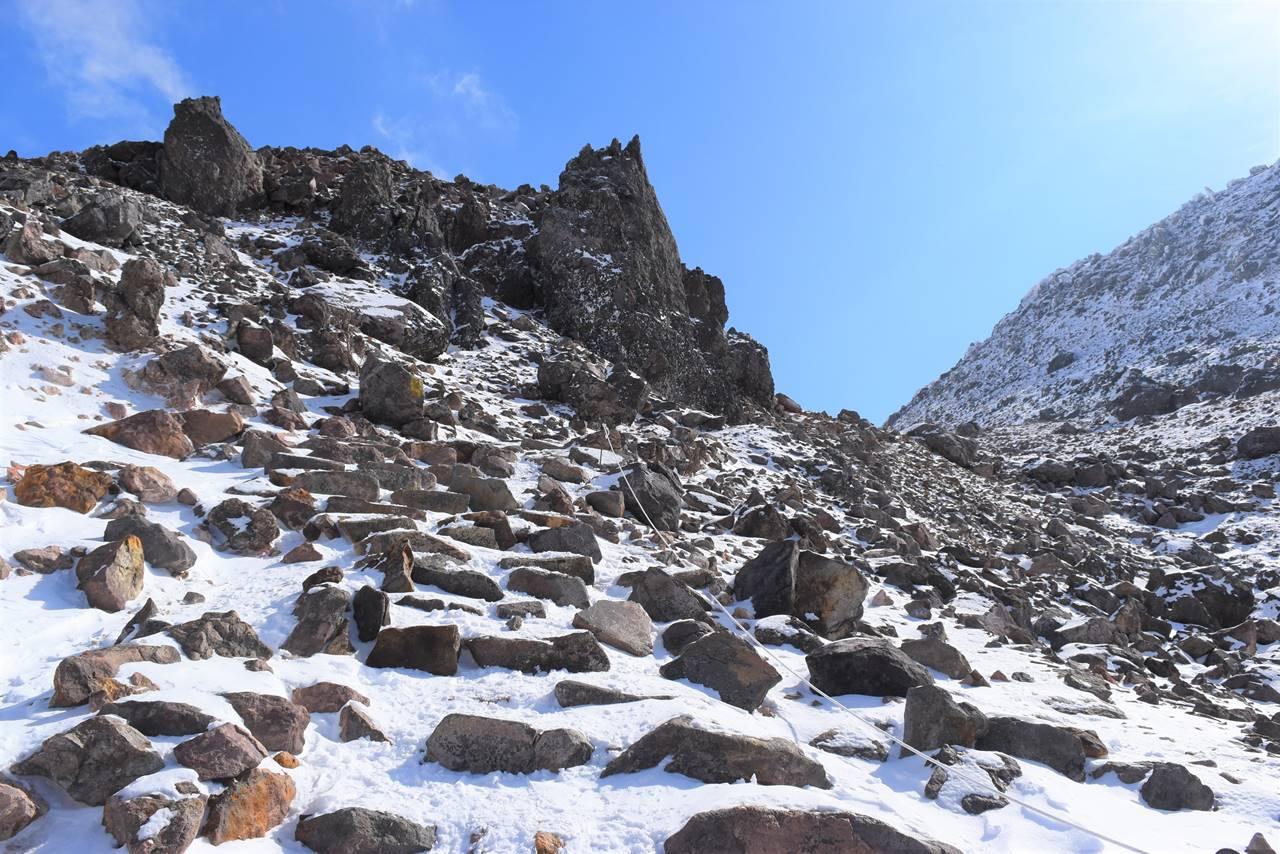 冬の那須岳・茶臼岳登山道