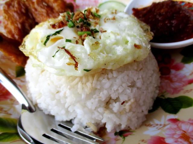 Sunny Cafe nasi lemak & fried egg