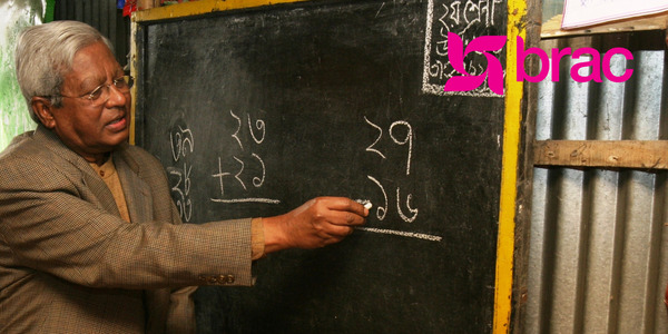 號稱「世界第一大非營利組織」的孟加拉鄉村促進委員會(BRAC)僱用超過10萬員工、會員更超過1,100萬人,被衛報稱之為「平行國度」、「第二政府」。BRAC即是這類「擴張性非營利組織」在本書中的實際案例。圖中為前殼牌石油公司財務高階主管、BRAC創辦人法茲雷・阿貝德。(來源:BRAC-USA)