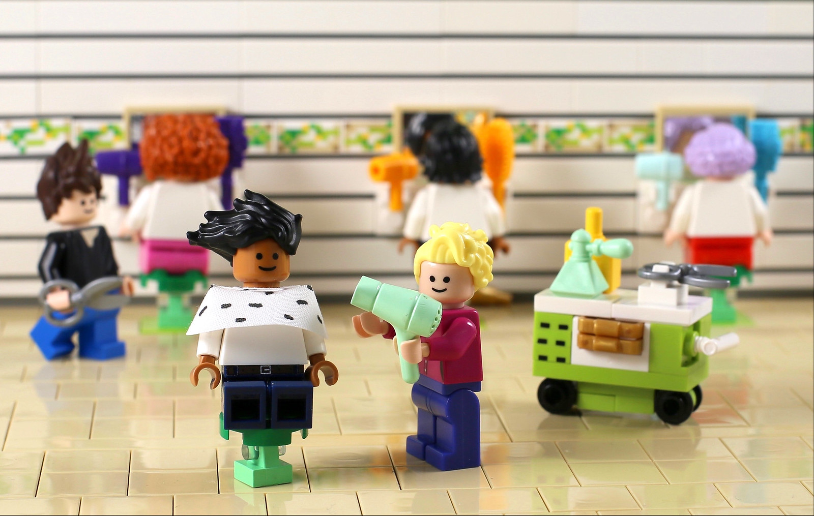 LEGO NEW REDDISH BROWN MINIIGURE SHORT HAIR BOWL CUT BOY FIGURE PIECE