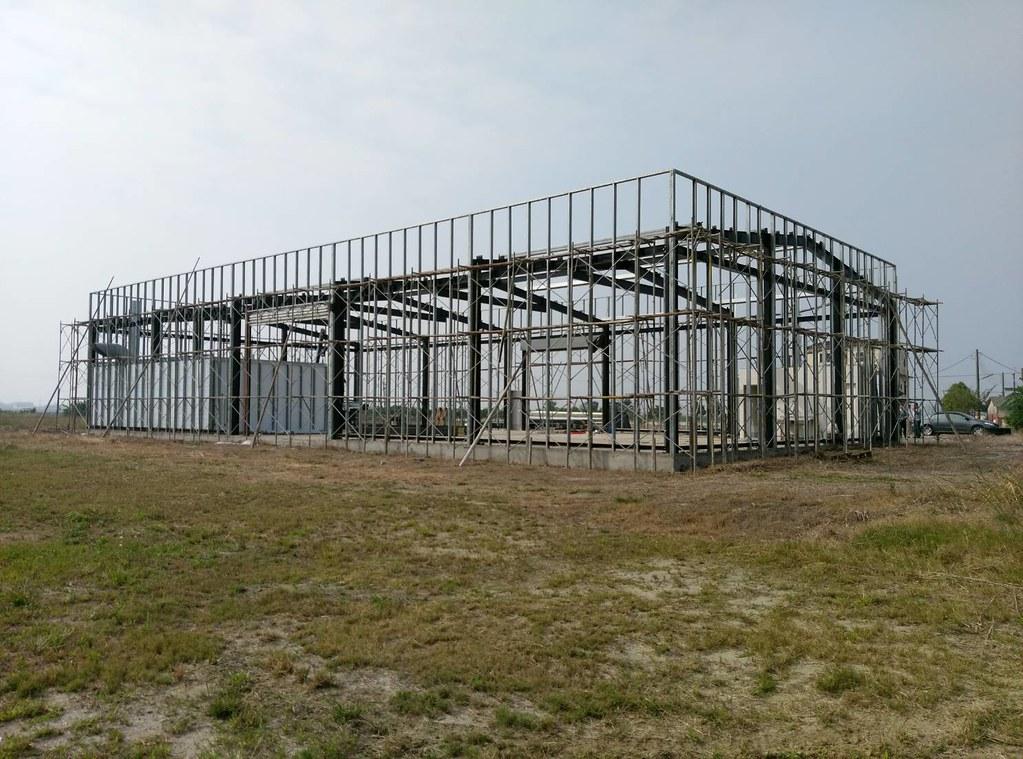 拆除中的嘉義縣鹿草鄉農地工廠,已於2017年12月29日拆除完畢。照片來源:農委會
