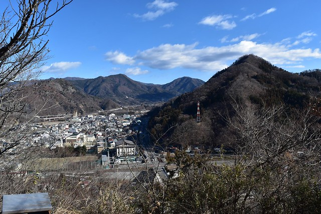 むすび山から岩殿山方面の展望