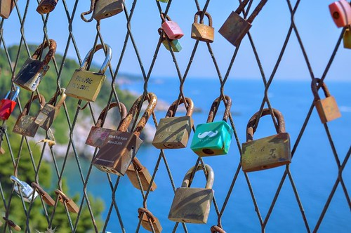 Love locks 🔐 Dubrovnik, Croatia | by ClicKingMann
