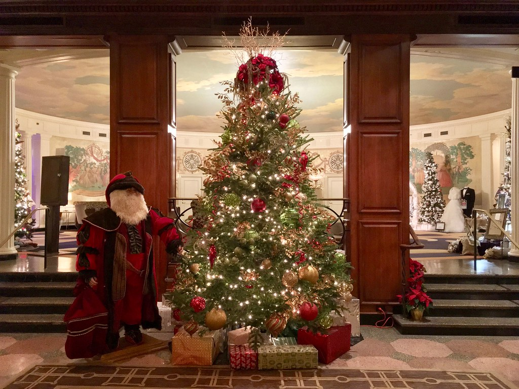 christmas decorations at the hotel roanoke 2017 by dieselducy - Hotel Christmas Decorations