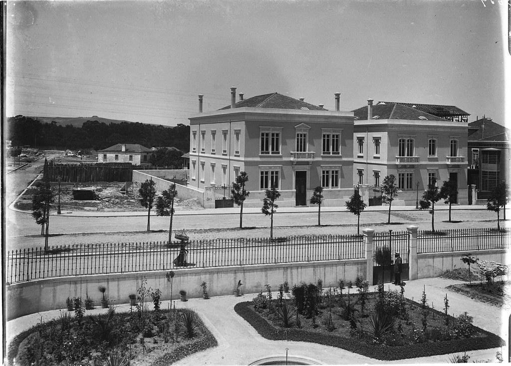 Av. António Maria de Avelar (hoje dita de Cinco de Outubro, nº 67-73), Lisboa, 1898-1908.