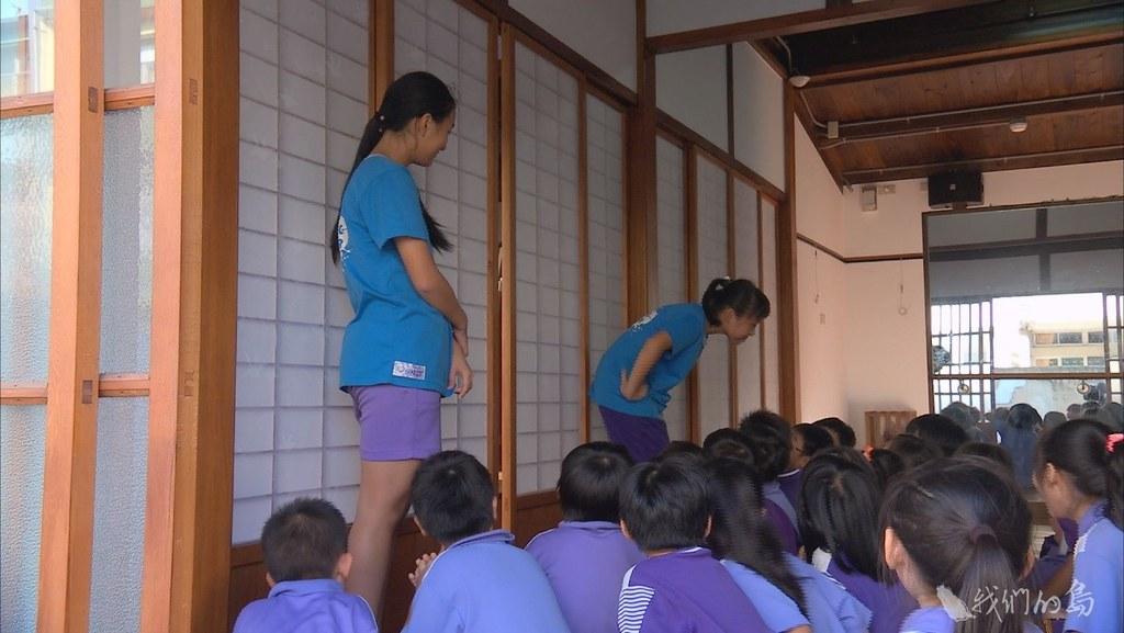 台中清水國小,歷史超過百年,校內有大量歷史建築,學生在古蹟教室中上課。