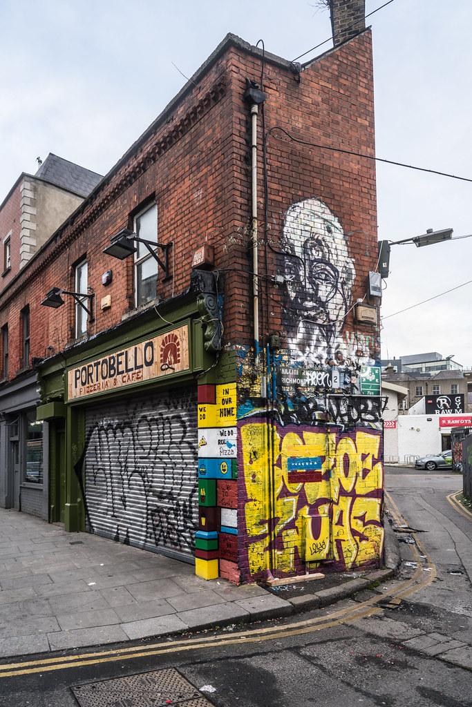 STREET ART AT SOUTH RICHMOND STREET IN DUBLIN 004
