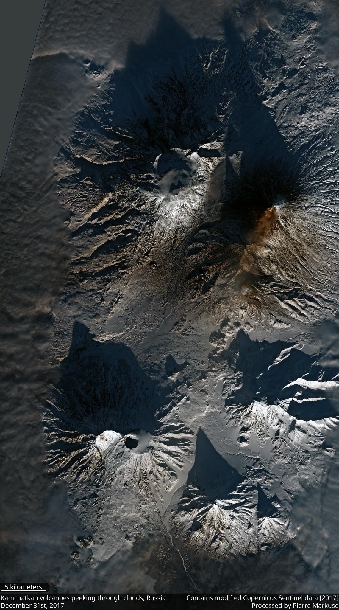 Kamczackie wulkany widziane z satelity