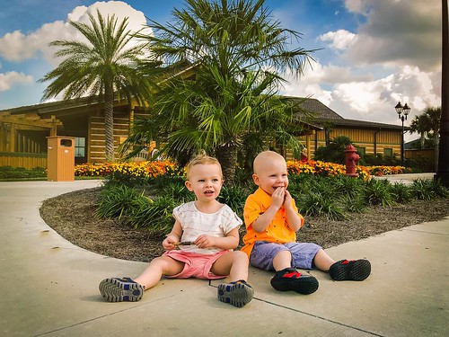 A and C are loving hanging out at Grandma and Grampa's place in Florida. We're loving all the extra hands to help out and some free time at the pool without them! | by Chris Young 43