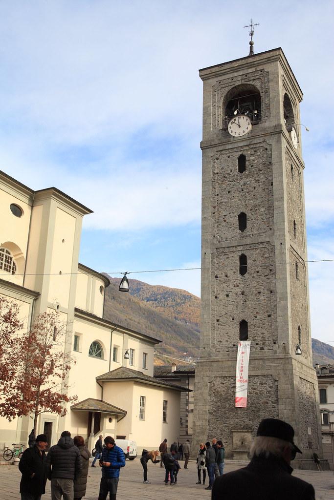 松德里歐小鎮上最著名的鐘樓,是鎮上鬧區。