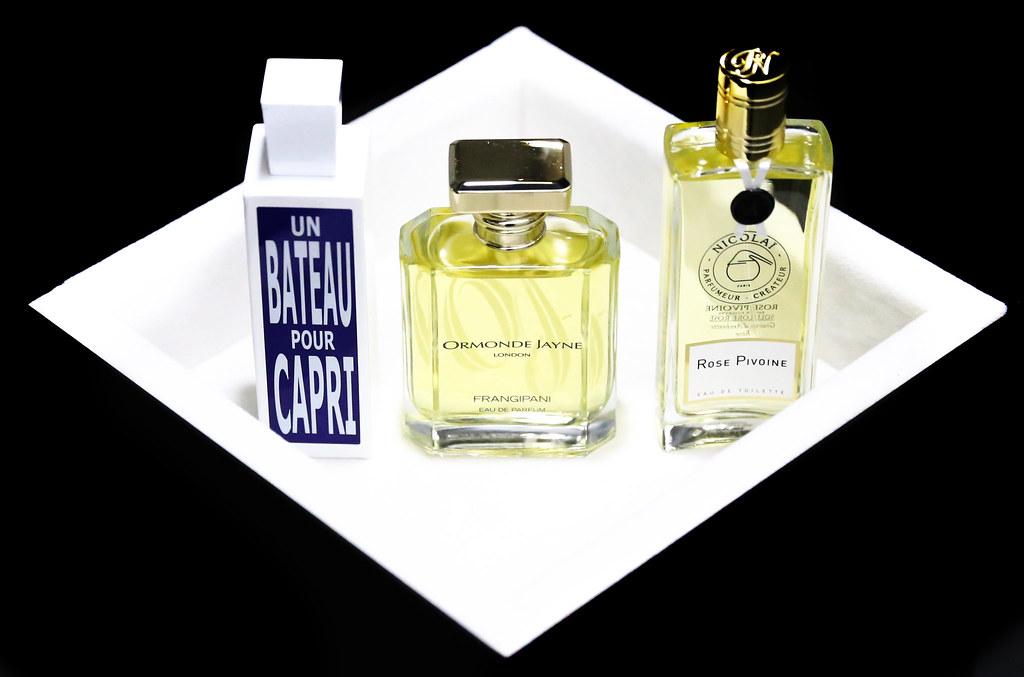 Damskie perfumy jako prezent świąteczny (Un Bateau Pour Capri, Ormonde Jayne Frangipani, Nicolai Rose Pivoine)