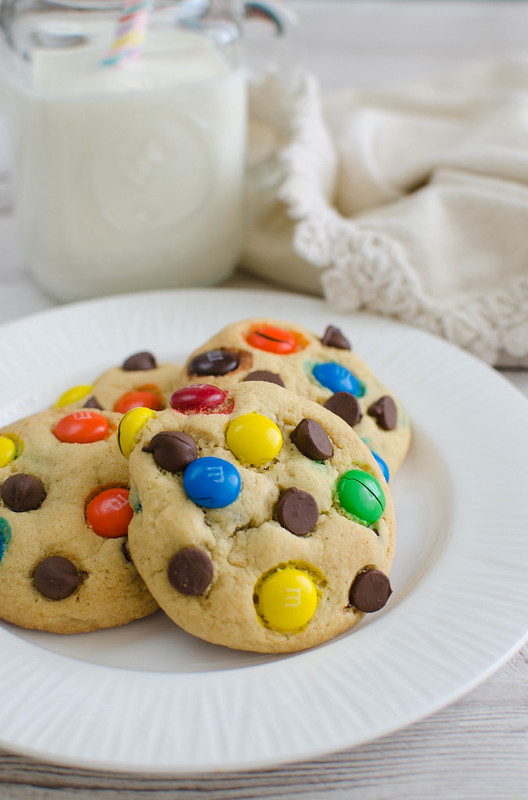 M&Ms Chocolate Chip Pudding Cookies - soft and delicious cookies with chocolate chips and M&Ms! I make these over and over!