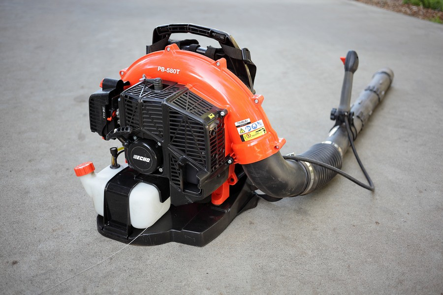 leaf blower Gas-Powered