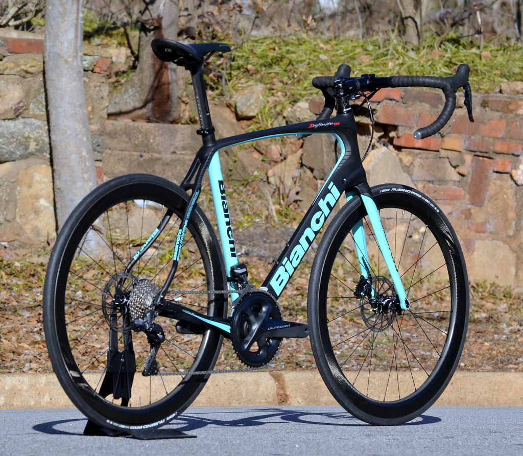 bianchi infinito cv disc ultegra 8070  zipp custom build