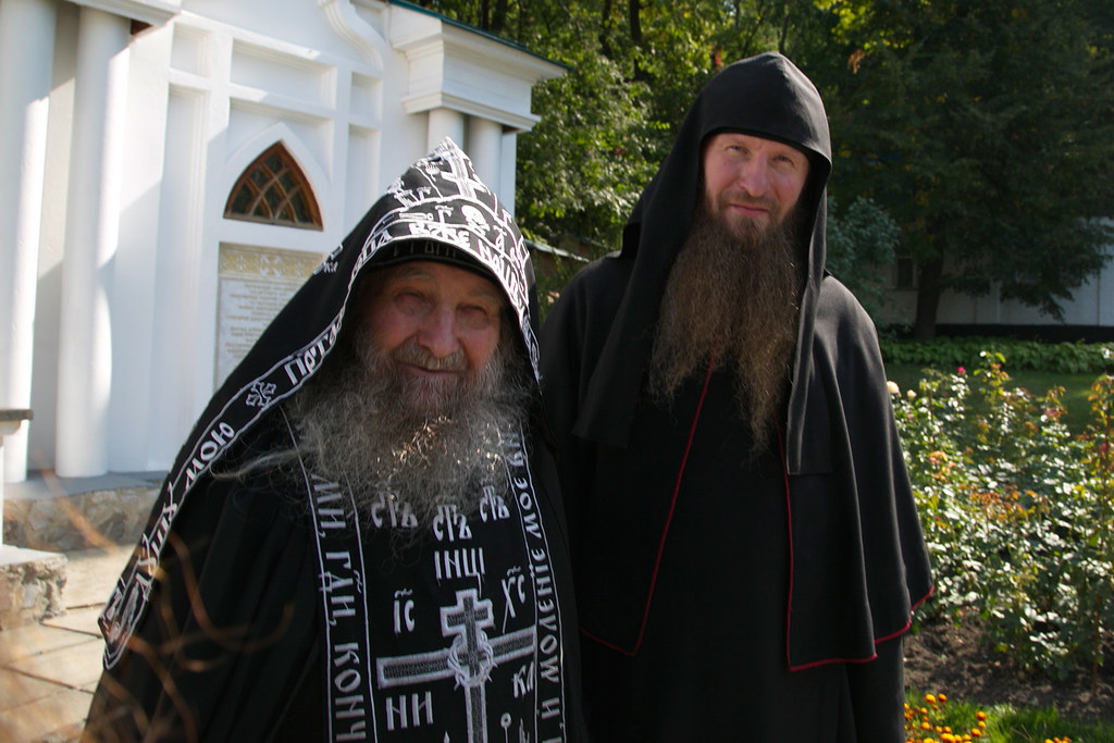 Старейший 90-летний насельник Лавры и скита схимонах Селафиил