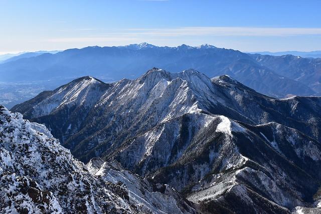 冬の八ヶ岳登山 赤岳キレットと権現岳と編笠山と南アルプス