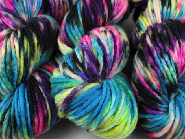 Phlump Merino – hand-dyed super chunky superwash pure wool yarn 200g – 'Shinjuku'
