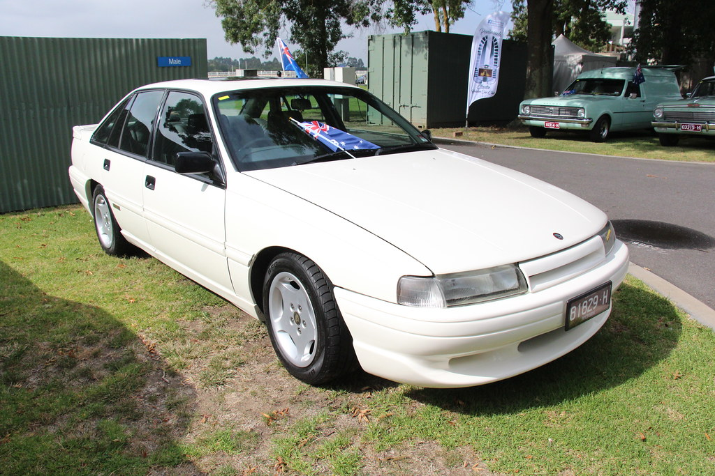 1990 Holden Hsv Vn Commodore Sv T30 Sedan Alpine White