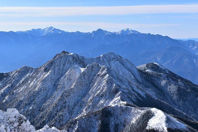 冬の権現岳~編笠山と南アルプス
