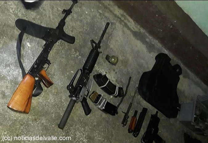 Localizan arsenal de armas de fuego