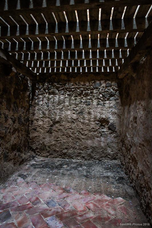 Mosaico del suelo en el recinto soberano del Castell de Montsoriu