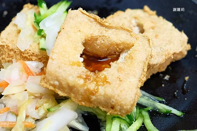 39225347425 b066f099b0 b - 台中東區 | 濃鄉臭豆腐。台中火車站美食推薦 超好吃隱藏版臭豆腐,只有在地人才知道的低調銅版美食!