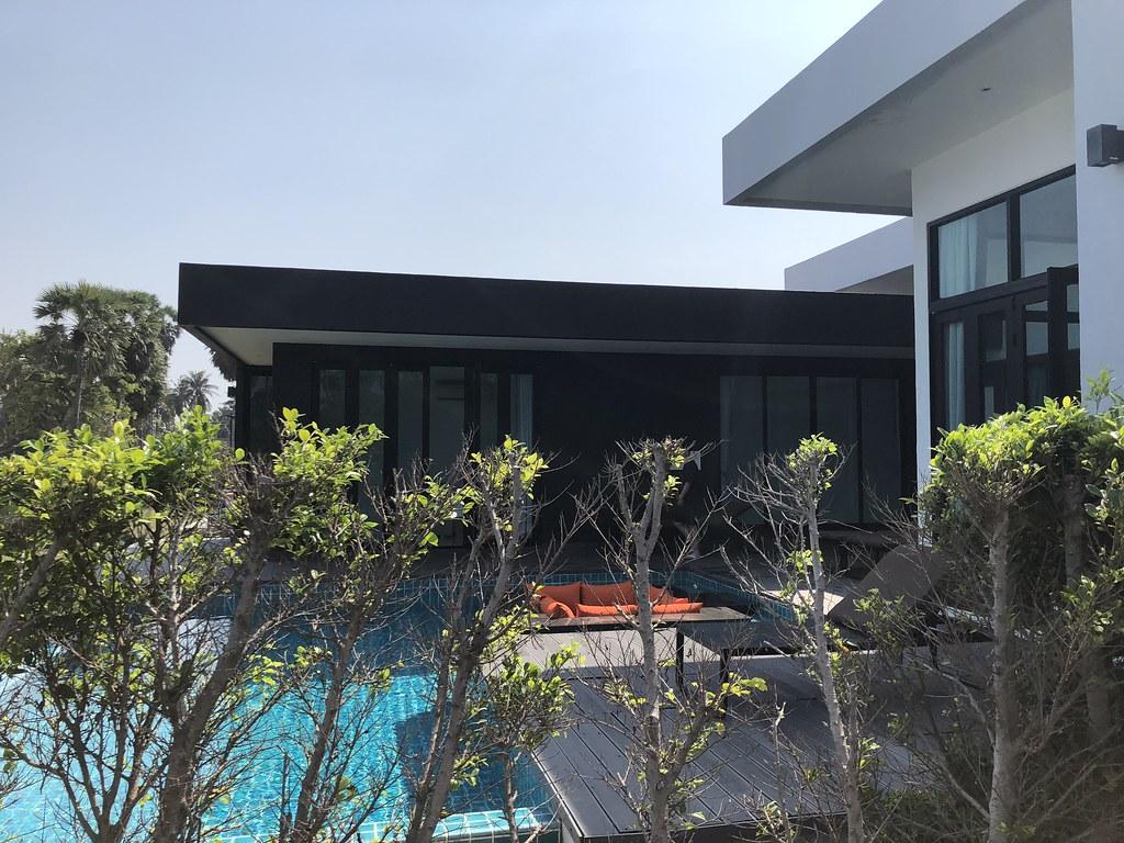 自带泳池属性的临海别墅