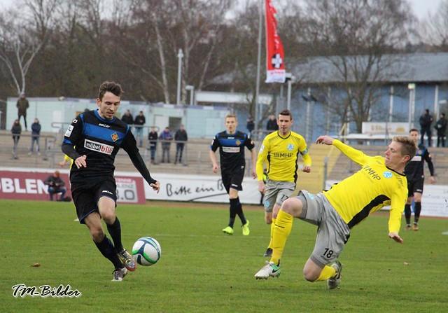 TuS Koblenz - Stuttgarter Kickers 0:3 28289698149_a2a2acf7f8_z