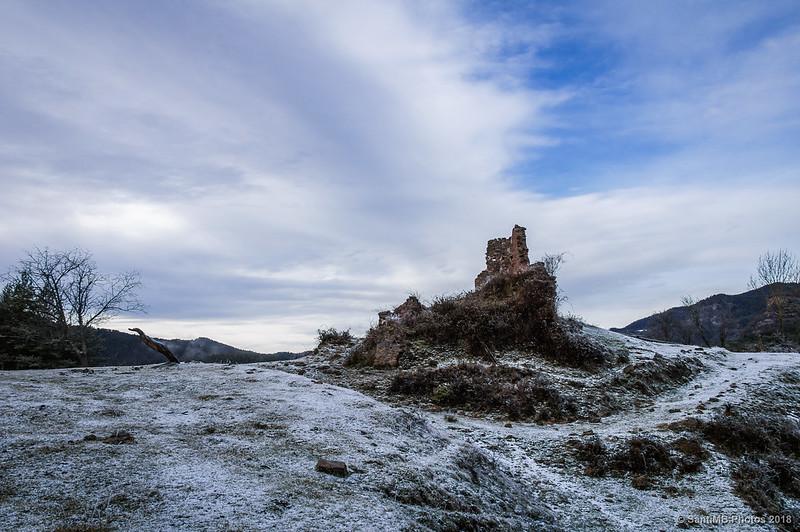 Ruinas del Mas Vila-rasa en Sant Jaume de Frontanyà