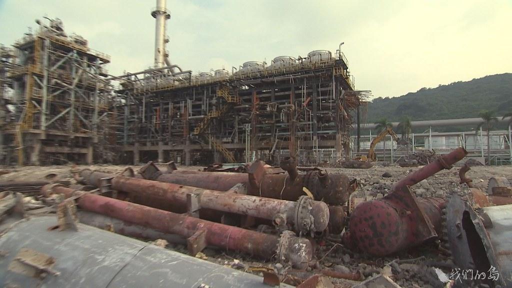 941-1-20五輕廠內的設備、儲油槽已陸續拆除,廠內受污染的土地和地下水整治工作,是接下來的挑戰。