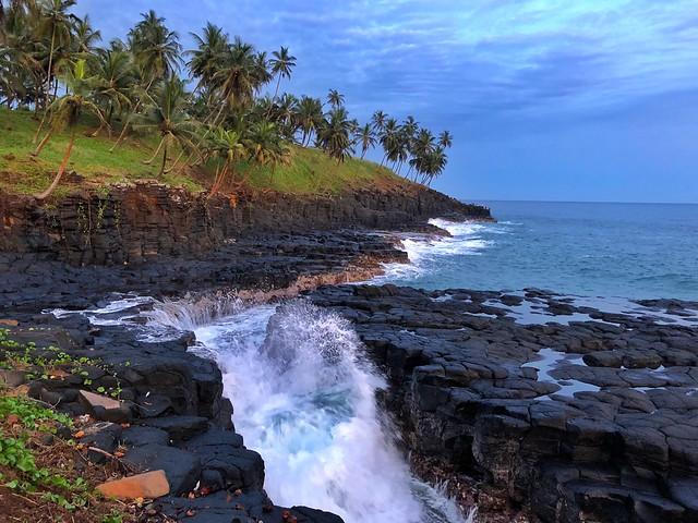 Boca del infierno en la isla de Santo Tomé (Viaje a Santo Tomé y Príncipe)