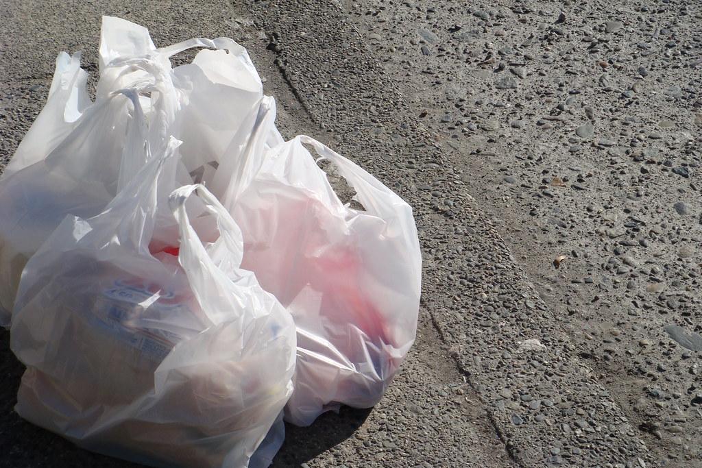 塑膠袋。圖片來源:velkr0(CC BY 2.0)