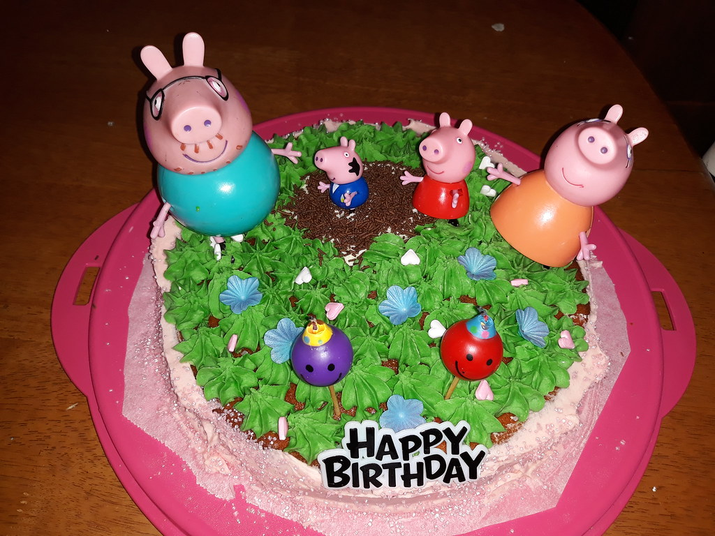 Peppa Pig Cake By Janet Roberts Amazing Cake Ideas Flickr