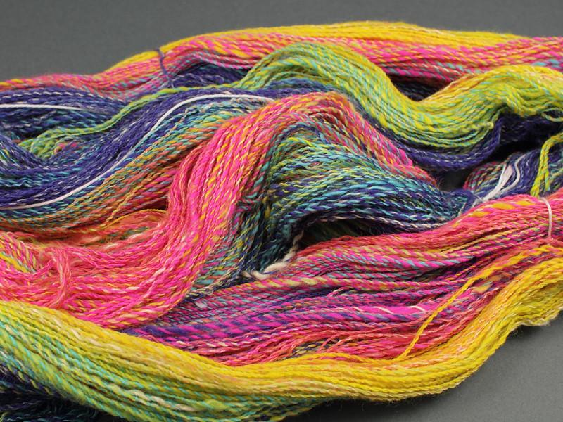 fractal-spun rainbow gradient yarn