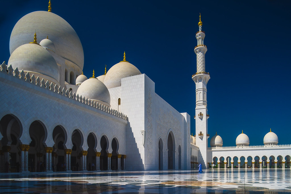 Image result for Sheikh Zayed grand Mosque, Abu Dhabi, United Arab Emirates