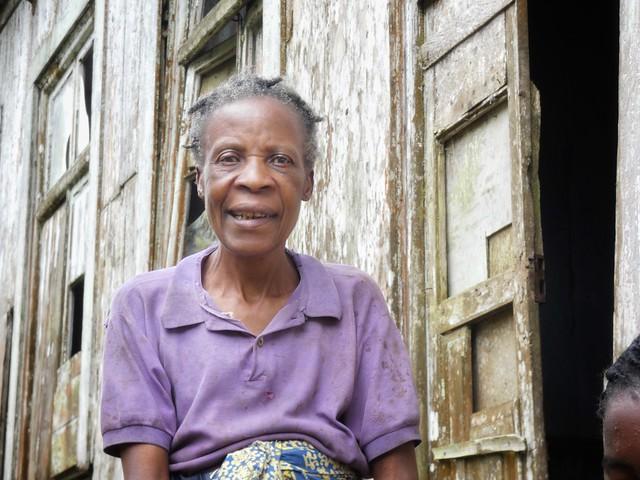 Anciana en Sao Nicolau (Santo Tomé y Príncipe)