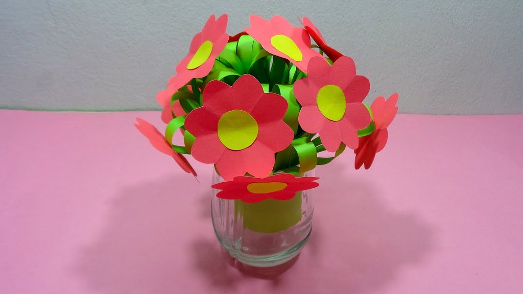 How to make a bunch of paper flowers with flower vase di flickr how to make a bunch of paper flowers with flower vase diy easy paper craft mightylinksfo